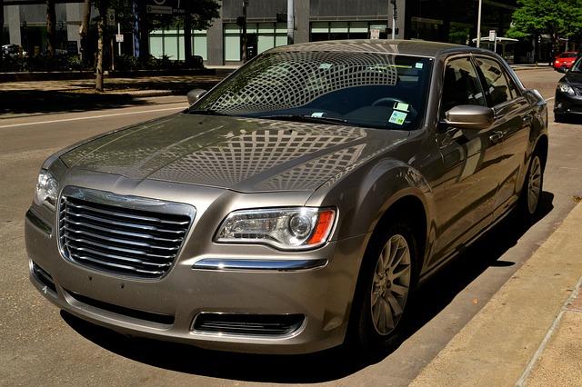 Chrysler 300 - top cars for women