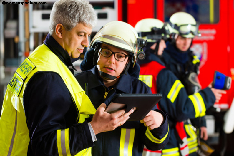 Rescue In Emergencies - Pros and Cons of Social Media