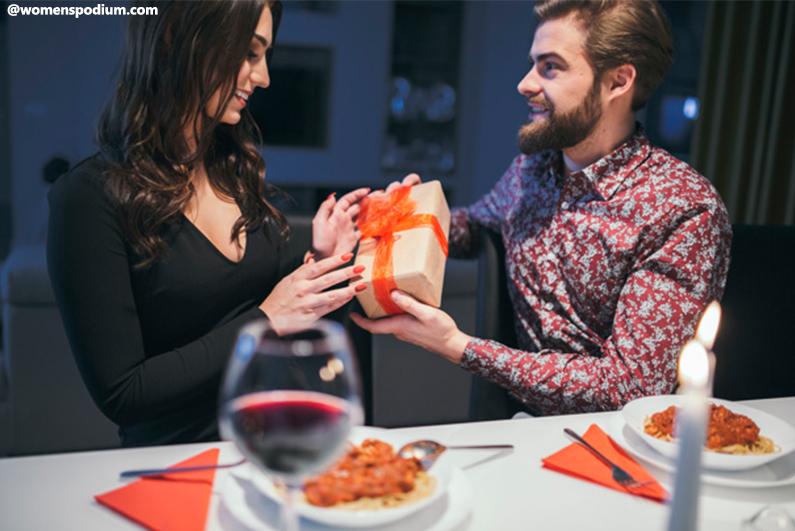Gift Ideas for Women - Candlelight Dinner