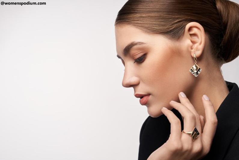 fashion mistakes - Say'No' to Heavy Jewelry