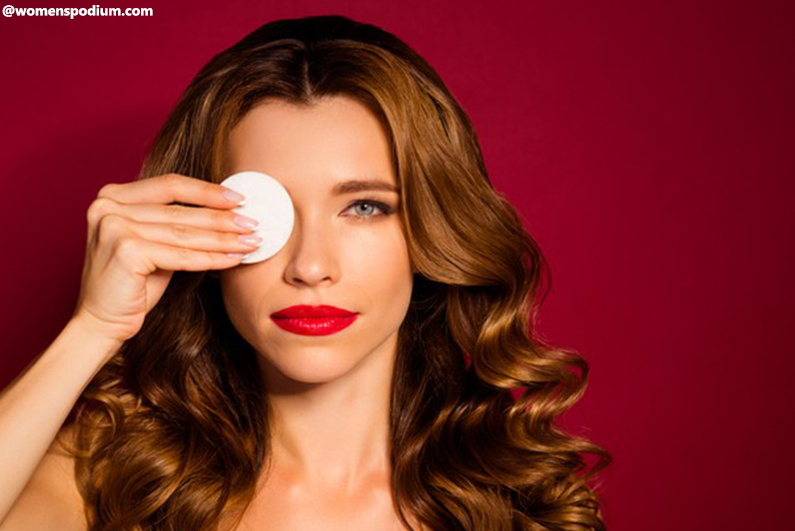 How to Remove Makeup - Start From The Eyes