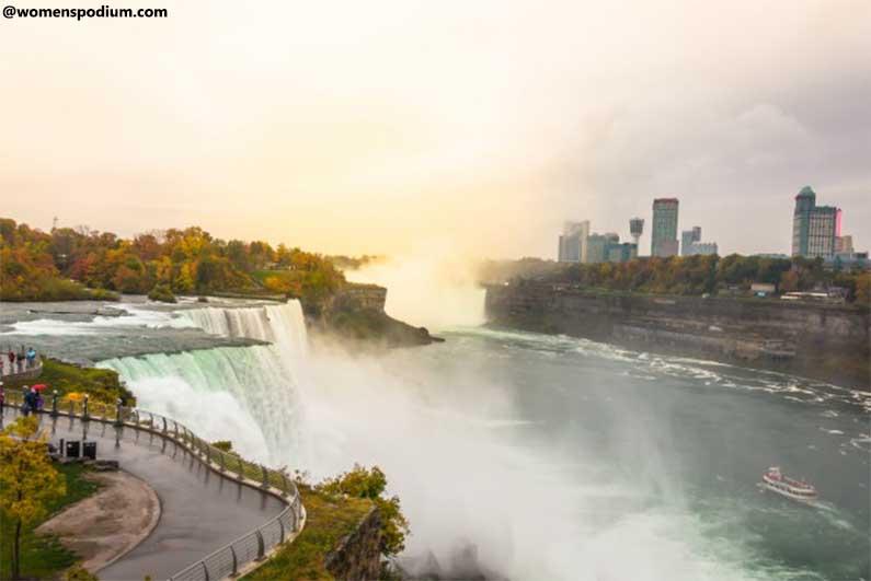 affordable family vacation - Niagara Falls