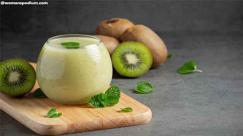 low calorie breakfast - Kiwi Flavored Yoghurt Smoothie