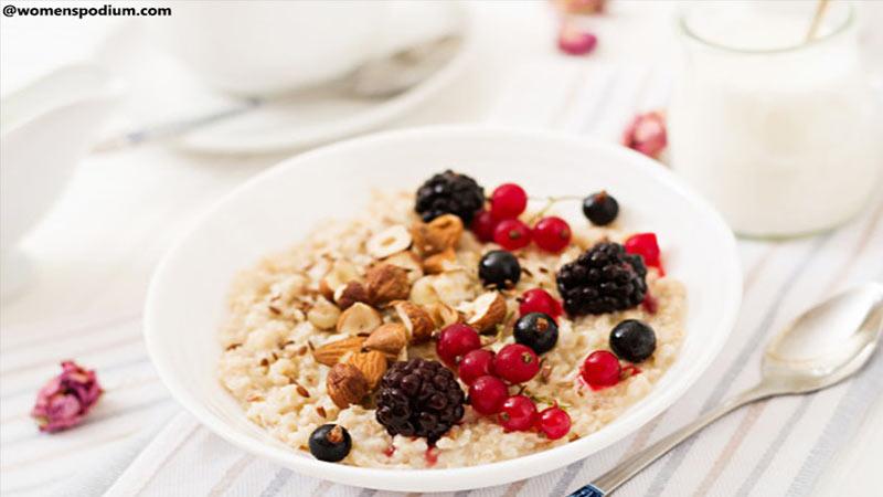Oats Porridge with Almonds