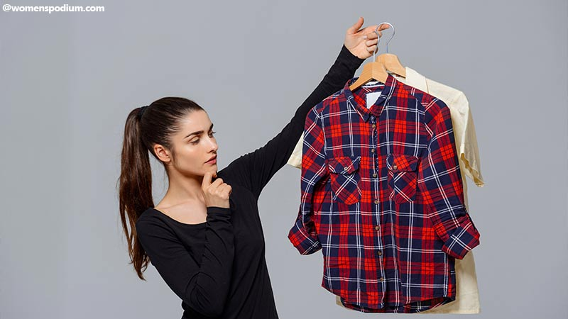 Styling Shirts With Leggings